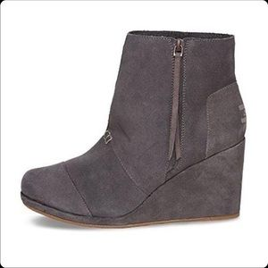 Toms Gray Suede Wedge Booties Size 10